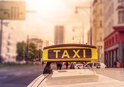 Gasthaus-zur-Erholung-Feierlichkeiten-Taxi